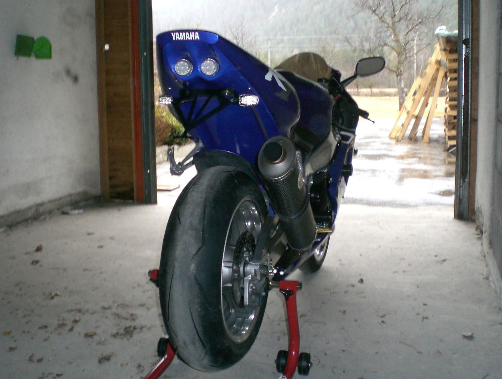 Yamaha YZF R198 99 Undertail W Built In LED