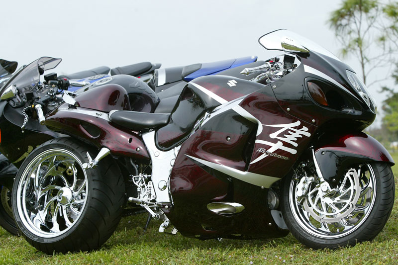 SUZUKI HAYABUSA GSXR , CUSTOM FERRARI RED, LOTS OF EXTRAS, NICE BIKE!